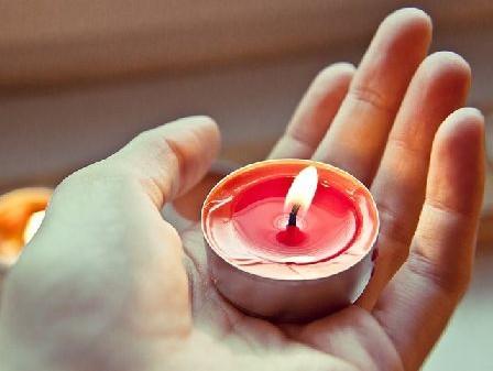 candle-711339_640